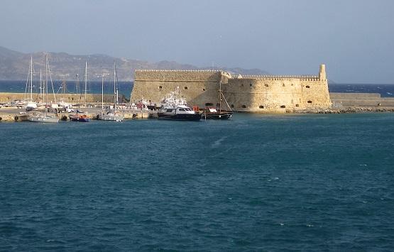 Крепость в порту Крита