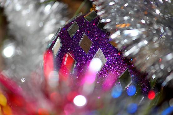 Новогодние украшения с элементами боке