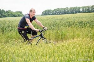 На велосипеде во время дуатлона 2020