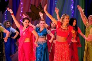 Гости конкурса с индийскими танцами