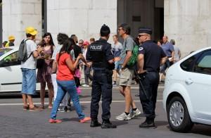 Полиция на площади Массена